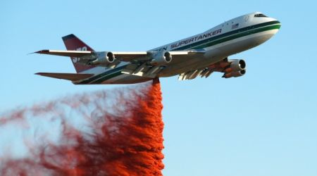 747 fire fighting plane